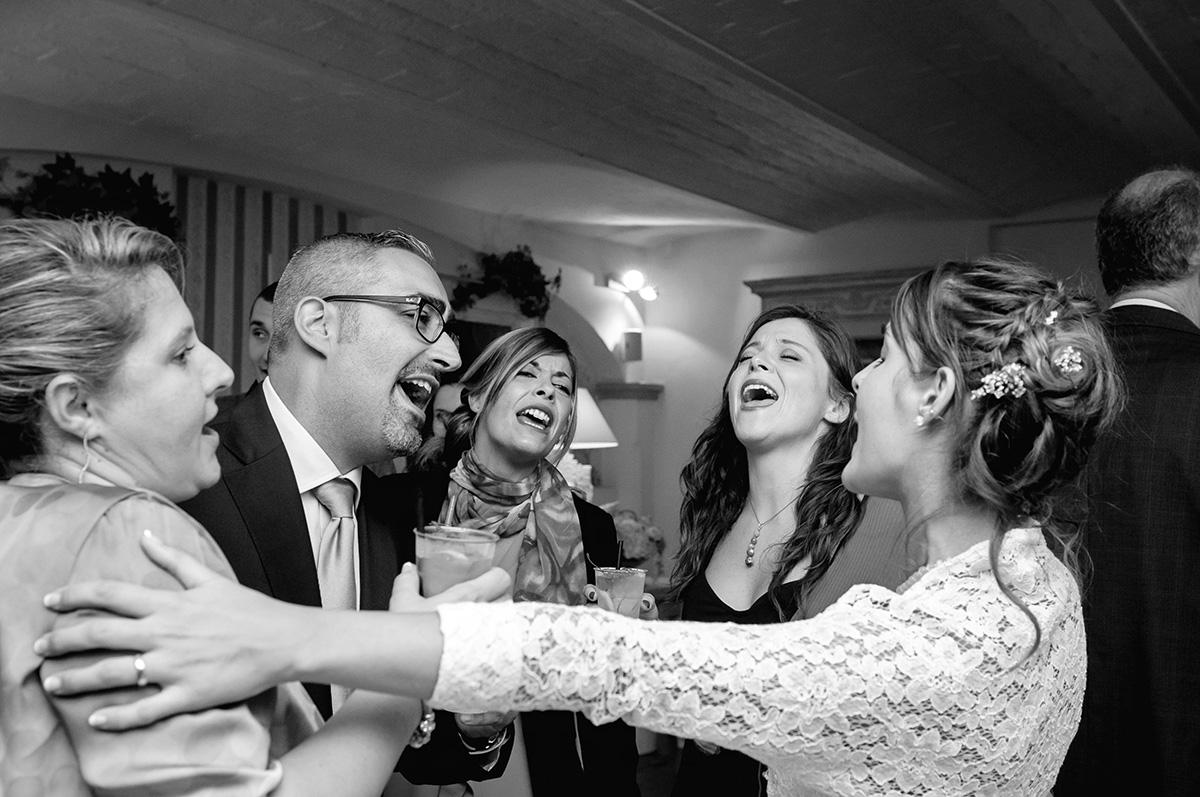 Matrimonio In Nero : Bianco e nero o colore per il vostro album di matrimonio